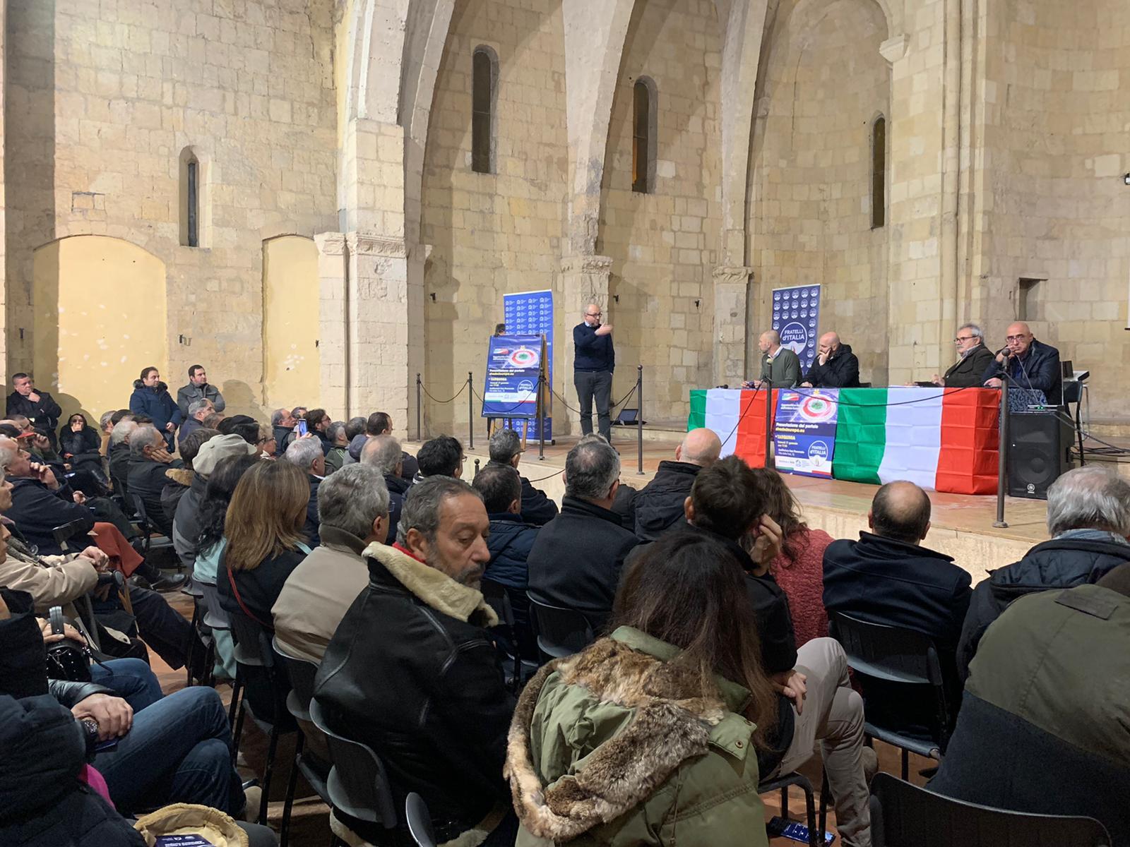 GRANDE PARTECIPAZIONE ALL'INCONTRO DI FRATELLI D'ITALIA A TARQUINIA