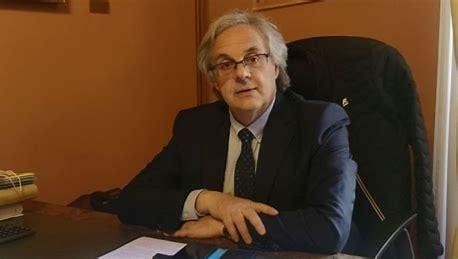 LA FONDAZIONE CARIVIT DONA UN DEFIBRILLATORE ALLA PARROCCHIA DELLA VERITA'