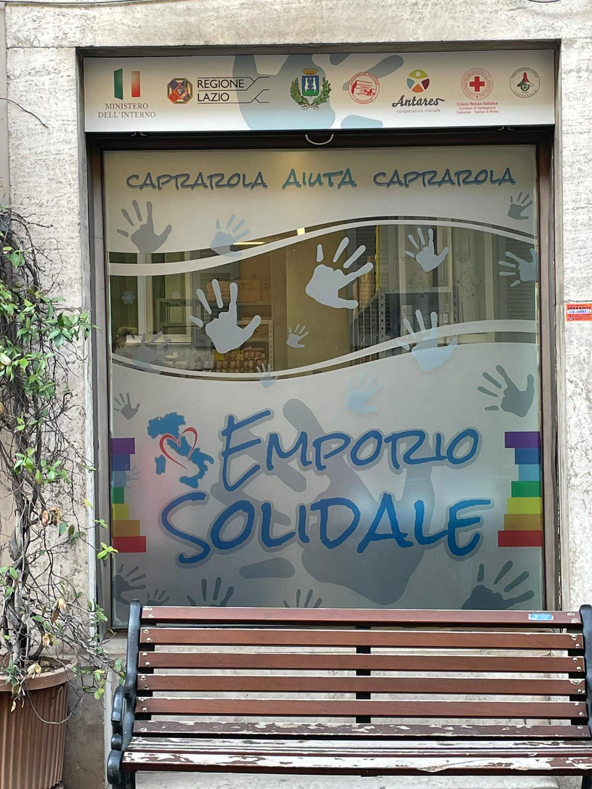 CAPRAROLA, APRONO EMPORIO SOLIDALE E PUNTO D'ASCOLTO