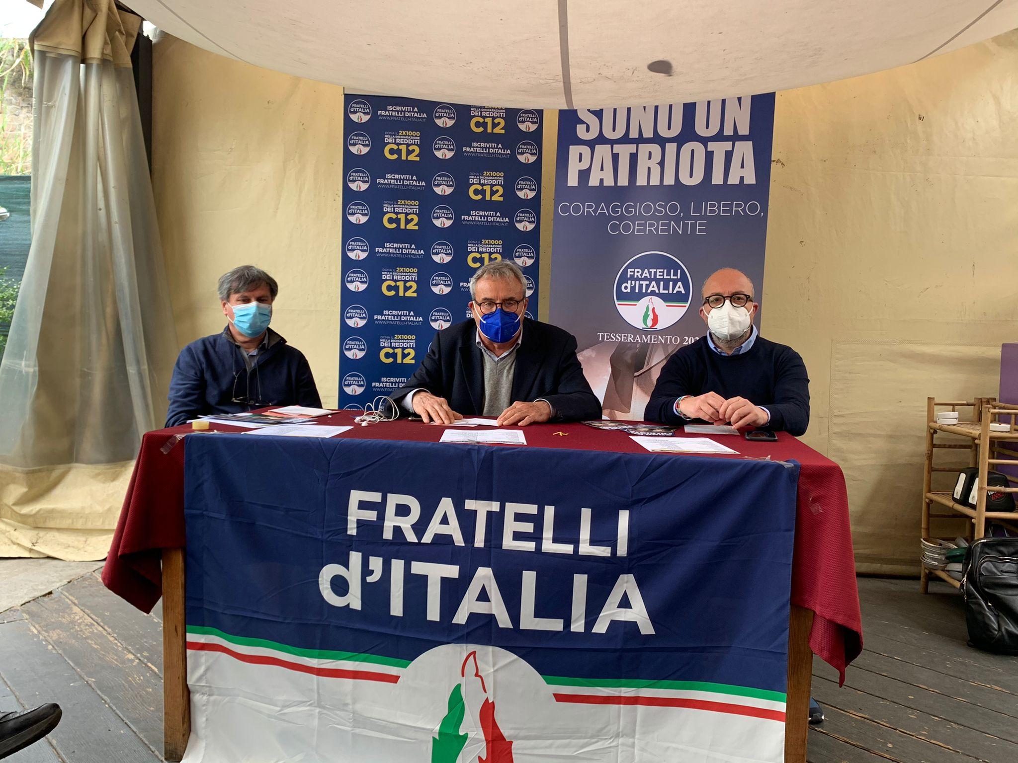 PER ISCRIVERSI A FRATELLI D'ITALIA NASCE IL GAZEBO DIGITALE